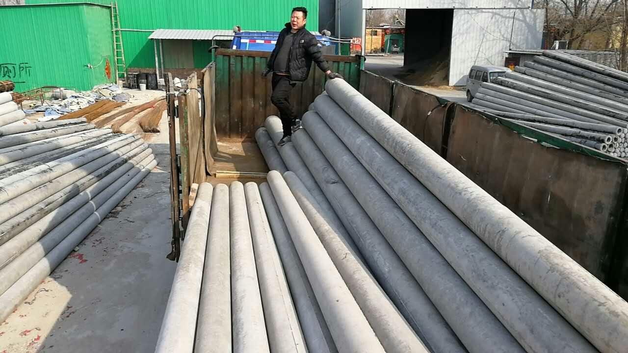 水泥电线杆一般采用坑式和窖式的养护方法